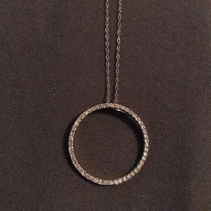 14kt White Gold Diamond Circle Necklace